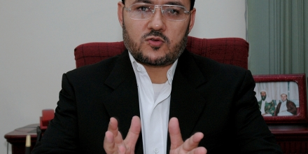 Ahmad Muaffaq Zaidan, Arabic television channel Al-Jazeera's Bureau Chief in Pakistan, speaks with the Associated Press in Islamabad, on Saturday, Oct. 30, 2004.  Al-Jazeera said Saturday that it received the latest videotaped message from al-Qaida leader Osama bin Laden at its offices in the Pakistani capital.  The tape was dropped off at the gate of the station's office in an envelope on Friday, just hours before it aired, said Zaidan.  (AP Photo/Anjum Naveed)
