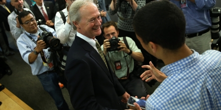 ARLINGTON, VA - JUNE 03:  Democratic presidential candidate former Sen. Lincoln Chafee (D-RI) greets university students after announcing his candidacy for the U.S. presidency at George Mason University June 3, 2015 in Arlington, Virginia. Chafee joins Hillary Clinton, Bernie Sanders and Martin O'Malley in seeking the Democratic nomination.  (Photo by Win McNamee/Getty Images)