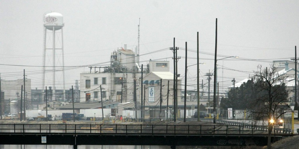WILLIAM BRETZGER/THE NEWS JOURNAL<br /><br /><br /><br /> For a time,  DuPont Co.'s Chambers Works site in Deepwater, N.J., ranked as the world's largest chemical plant. Some 1.4 million gallons of partially treated wastewater collected from fracking wells outside the Delaware River basin were further processed at DuPont?s Chambers Works plant inDeepwater, N.J.  News Journal File/William Bretzger<br /><br /><br /><br /> 010507-DUPONT VX-DuPont Chambers Works plant at Deepwater, NJ, seen, Friday, Jan. 5, 2007.<br /><br /><br /><br /> The News Journal/William Bretzger