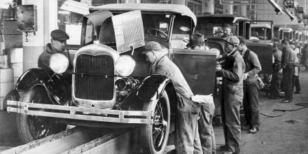 (GERMANY OUT) USA Michigan : Ford Motor Company in Dearborn / Detroit: work on the assembly line - around 1934 - Vintage property of ullstein bild  (Photo by ullstein bild/ullstein bild via Getty Images)