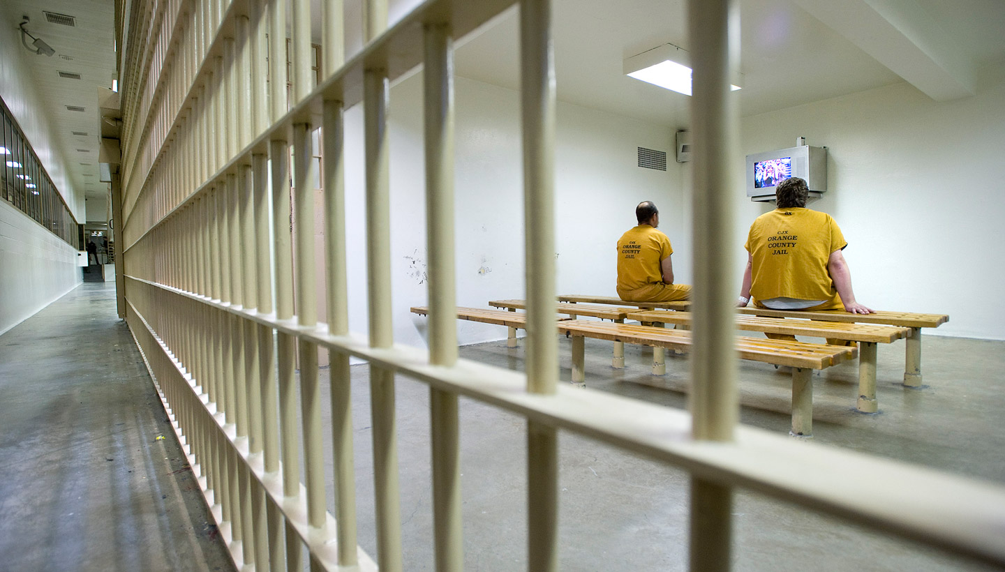 May 24, 2011 - Santa Ana, California, U.S. - Inmates watch television in the day room at the Sheriff's Central Men's Jail Tuesday. Local officials expect the county jails to fill as inmates remain in county facilities longer following California's release of prisoners from state facilities.....///ADDITIONAL INFO:   H. LORREN AU JR., THE ORANGE COUNTY REGISTER.   - 5/24/11 - s.prisonrelease.0524.ots -  Photographed in the Intake Release Center and Men's Central Jail in Santa Ana.   A 1 million contract the county has entered in with ICE could also be in question. (Credit Image: © H. Lorren Au Jr/The Orange County Register/ZUMAPRESS.com)
