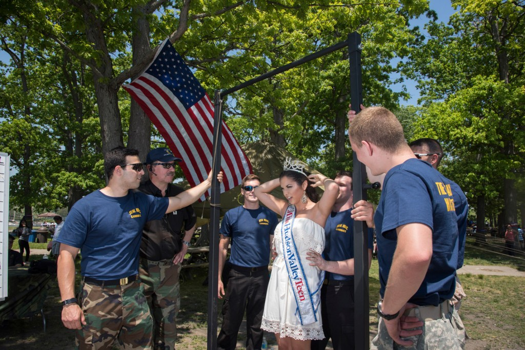USMC holds fleet week activiities in Glenwood Island Park in New Rochelle.  Activities included chin up bars and landing of the Osprey