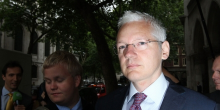 LONDON, ENGLAND - JULY 13:  WikiLeaks website founder Julian Assange  arrives at The High Court on July 13, 2011 in London, England. Mr Assange is appealing against his extradition to Sweden over sexual assault allegations.  (Photo by Peter Macdiarmid/Getty Images)