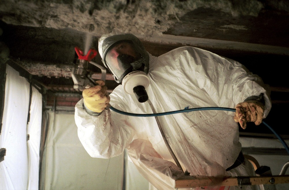 FRANCE - MARCH 25:  Asbestos Removal Of The Jussieu University On March 25th, 1999 - In Paris,France - A Foam Sprayed Before Removal  (Photo by Gilles BASSIGNAC/Gamma-Rapho via Getty Images)