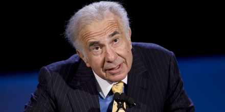 ** FILE ** In this Cot. 11, 2007 file photo, private equity investor and chairman of ImCLone, Carl Icahn speaks at the World Business Forum in New York.  Bristol-Myers Squibb Co. on Thursday, Sept. 1, 2008, reiterated its $60 per share offer for ImClone Systems Inc., avoiding a bidding war for now even though the biotechnology company has said a secret suitor is offering $10 a share more. (AP Photo/Mark Lennihan, file)