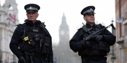 Armed police officers secure the area near the Houses of Parliament in central London on March 23, 2017 the day after the March 22 terror attack in Westminster claimed at least three lives including that of police officer Keith Palmer. Britain's parliament reopened on Thursday with a minute's silence in a gesture of defiance a day after an attacker sowed terror in the heart of Westminster, killing three people before being shot dead. Sombre-looking lawmakers in a packed House of Commons chamber bowed their heads and police officers also marked the silence standing outside the headquarters of London's Metropolitan Police nearby. / AFP PHOTO / Daniel LEAL-OLIVAS (Photo credit should read DANIEL LEAL-OLIVAS/AFP/Getty Images)