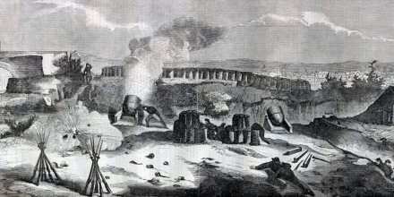 UNSPECIFIED - CIRCA 1754: French intervention in Mexico: Battle of Puebla, 5 May 1862 (Battle of Cinco de Mayo). The French under General Charles Lorencez were decisively by the Mexican army under General Ignacio Zaragoza. French mortar battery receiving incoming fire. (Photo by Universal History Archive/Getty Images)