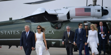 US President Donald Trump and First Lady Melania Trump (L), followed by White House senior advisor Jared Kushner and Ivanka Trump, make their way to board Air Force One before departing from Ben Gurion International Airport in Tel Aviv on May 23, 2017. / AFP PHOTO / MANDEL NGAN        (Photo credit should read MANDEL NGAN/AFP/Getty Images)