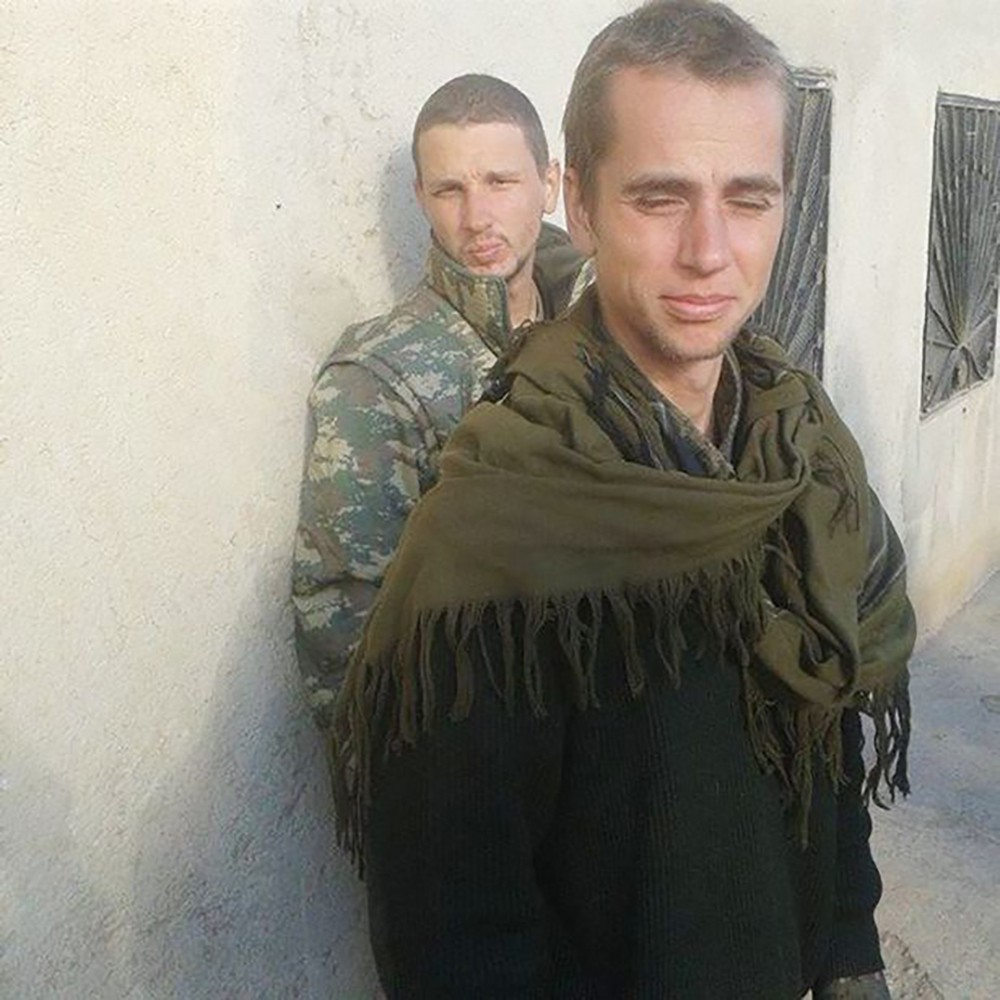 Walker and his friend Nazzareno Tassone, a Canadian YPG recruit.