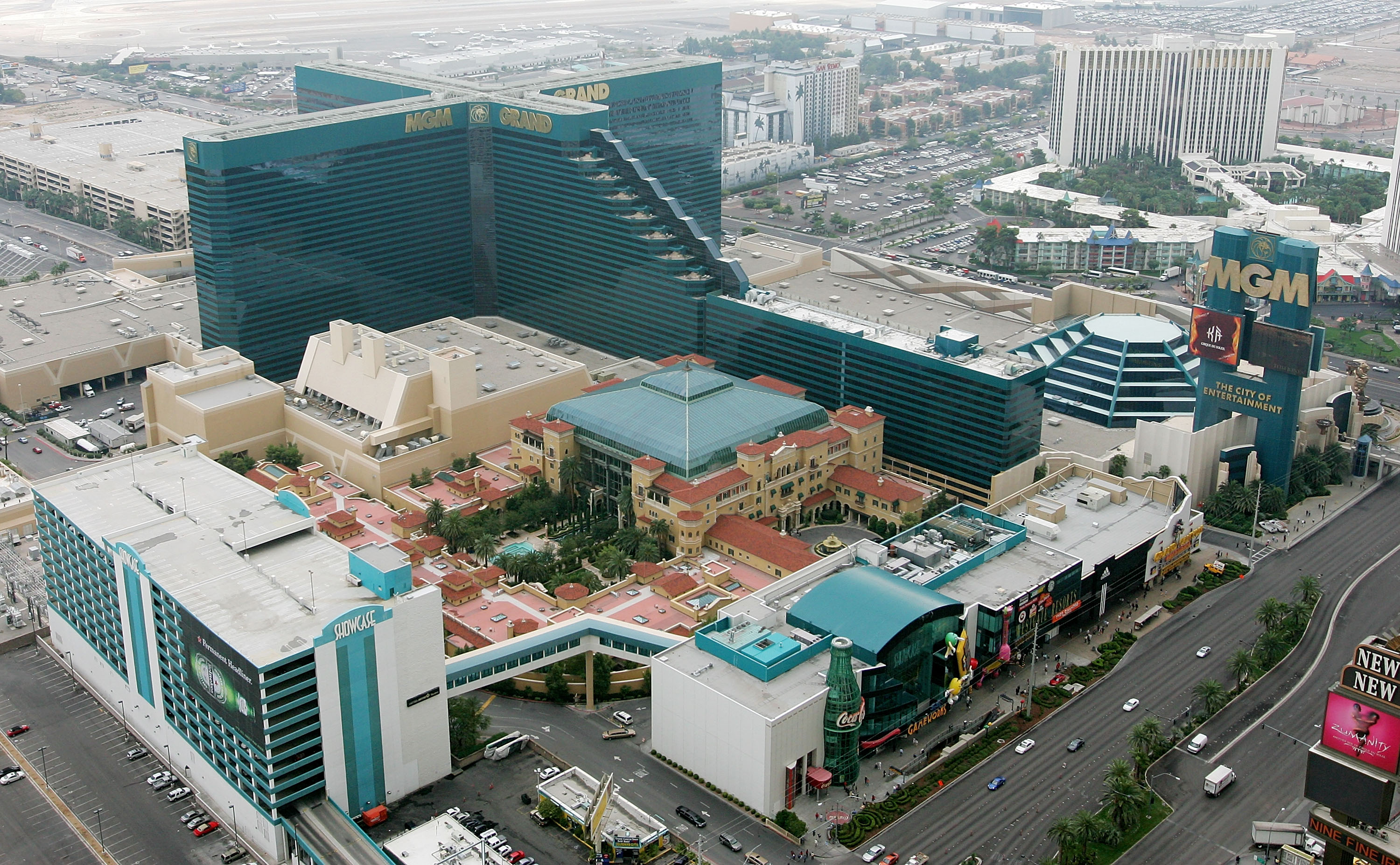 LAS VEGAS - OCTOBER 19: An aerial photo shows the MGM Grand Hotel/Casino on the Las Vegas Strip October 19, 2005 in Las Vegas, Nevada. (Photo by Ethan Miller/Getty Images)
