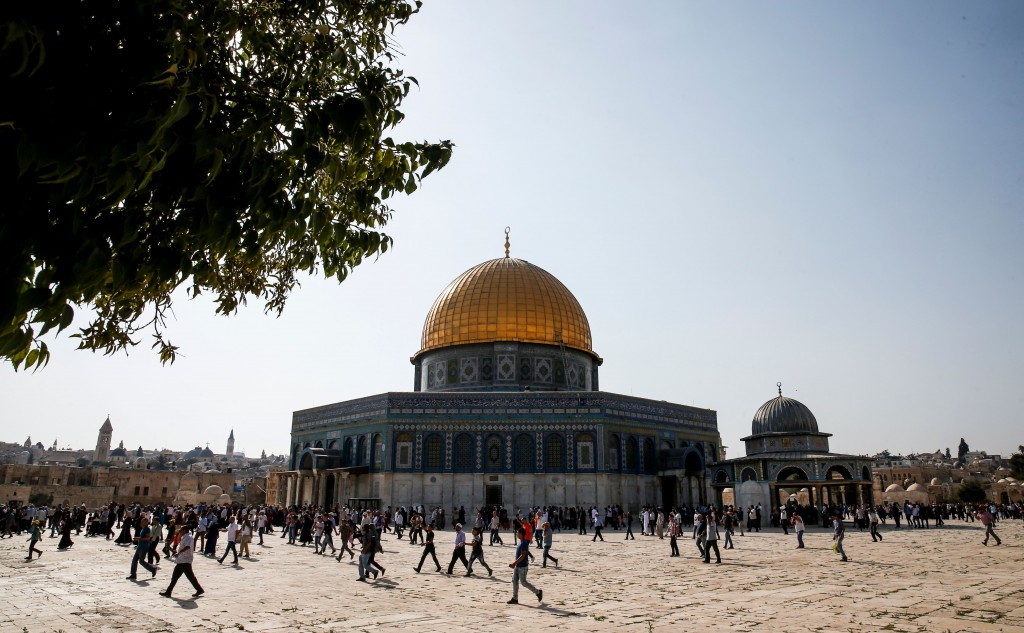A picture taken on July 27, 2017 shows a general view of the Dome of the Rock in the Haram al-Sharif compound, known to Jews as the Temple Mount, in the old city of Jerusalem on July 27, 2017 as Palestinians enter the holy site for the first time in two weeks.<br /><br /><br /><br /><br /><br /> Palestinians ended a boycott and entered the sensitive Jerusalem holy site, which includes the Al-Aqsa mosque and the Dome of the Rock, after Israel removed controversial security measures there, potentially ending a crisis that sparked deadly unrest. / AFP PHOTO / AHMAD GHARABLI        (Photo credit should read AHMAD GHARABLI/AFP/Getty Images)