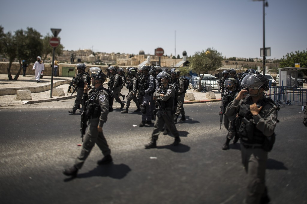 JERUSALEM, ISRAEL - JULY 28:  Police are on high alert during a demonstration on July 28, 2017 in Jerusalem, Israel. Religious leaders announced that following a recent terror attack the holy site of Al Aqsa mosque which was then partly closed will open for prayer while tensions grow in the city after recent clashes and protests.  (Photo by Ilia Yefimovich/Getty Images)