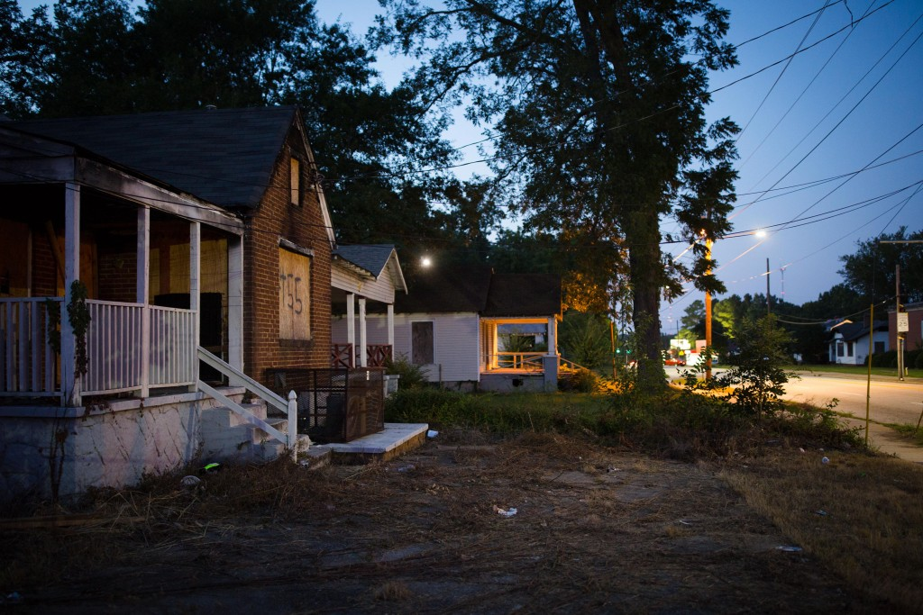 Boarded up homes at the intersection of Federal Terrace and Boulevard in southeast Atlanta on Saturday, Sept. 9, 2017. Photo by Kevin D. Liles for The Intercept