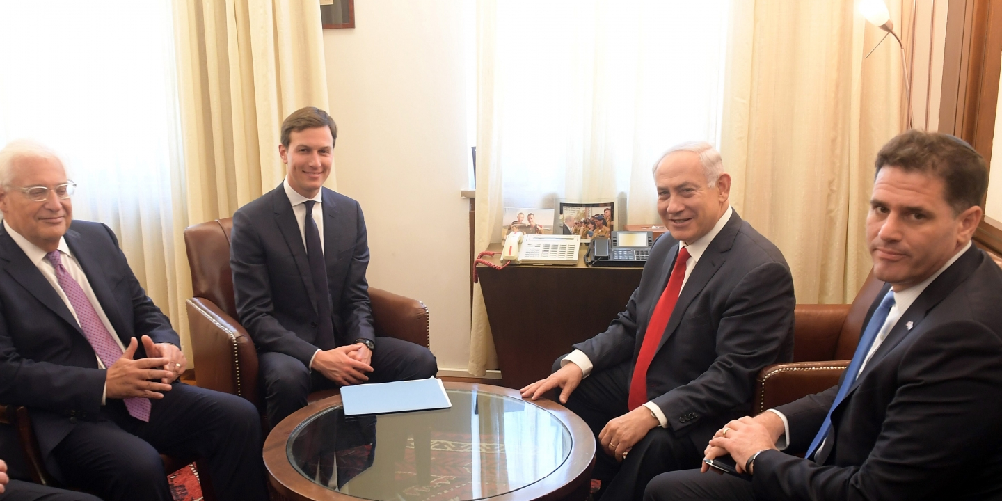 "JERUSALEM - JUNE 21 : (----EDITORIAL USE ONLY MANDATORY CREDIT - "" GPO / AMOS BEN GERSHOM / HANDOUT"" - NO MARKETING NO ADVERTISING CAMPAIGNS - DISTRIBUTED AS A SERVICE TO CLIENTS----) Israel's Prime Minister Benjamin Netanyahu (2nd R) meets with Jared Kushner (3rd L) in Jerusalem on June 21, 2017. (Photo by Handout / Amos Ben Gershom / GPO/Anadolu Agency/Getty Images)"